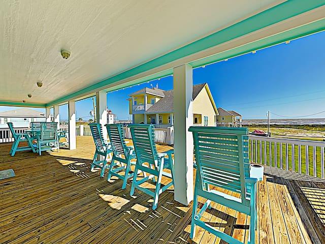 Gulf-View 6BR w/ Wraparound Porch - Walk to Beach