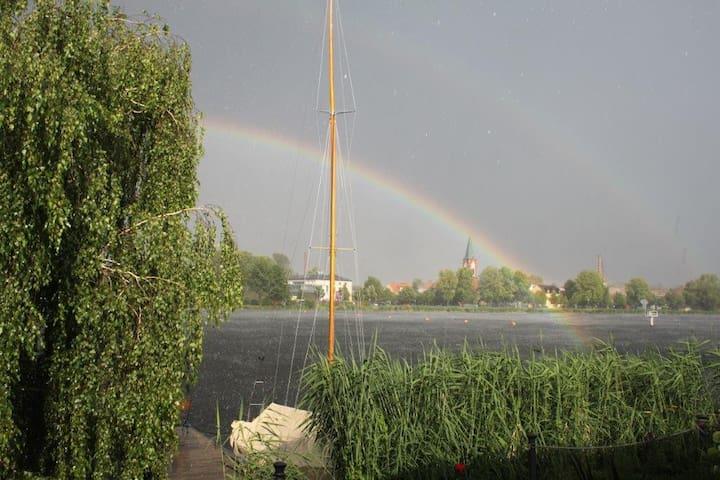 Haus am Wasser mit Inselblick - Potsdam       -          Werder (Havel) - House