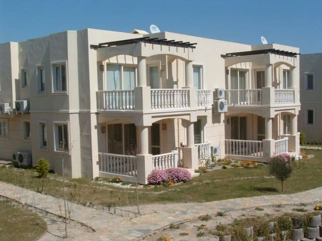 Beautiful 2 Bed 2 Bath Apartment - Bodrum - Daire
