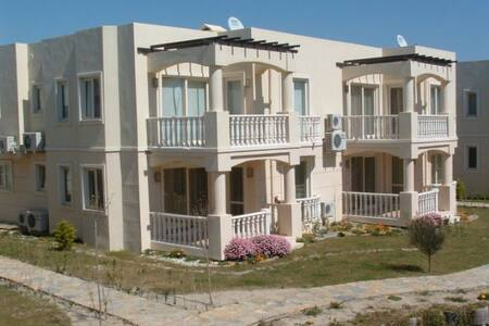 Beautiful 2 Bed 2 Bath Apartment - Bodrum - Apartamento
