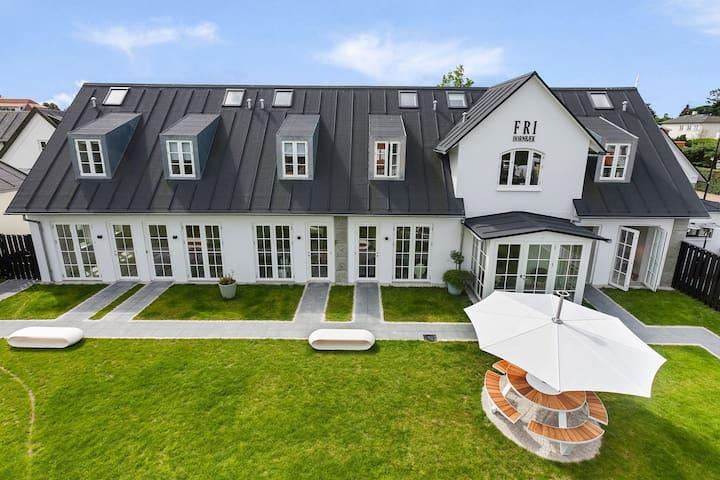 Beautiful 'townhouse' in center of Hornbæk