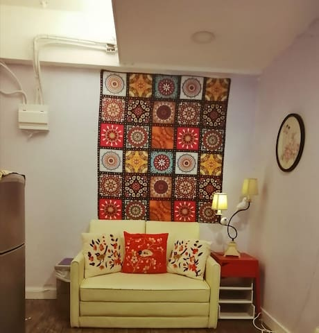 Cozy two bedroom place next to  wanchai mtr