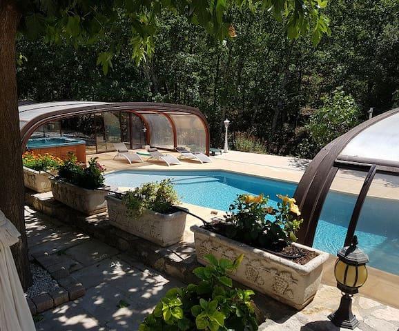 "Villa Quinissole ""Esprit Provence"""