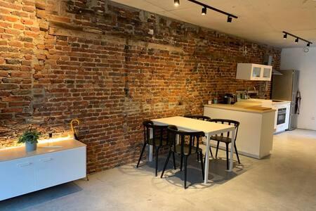 Gezellig appartement in het centrum van Luik - 1e
