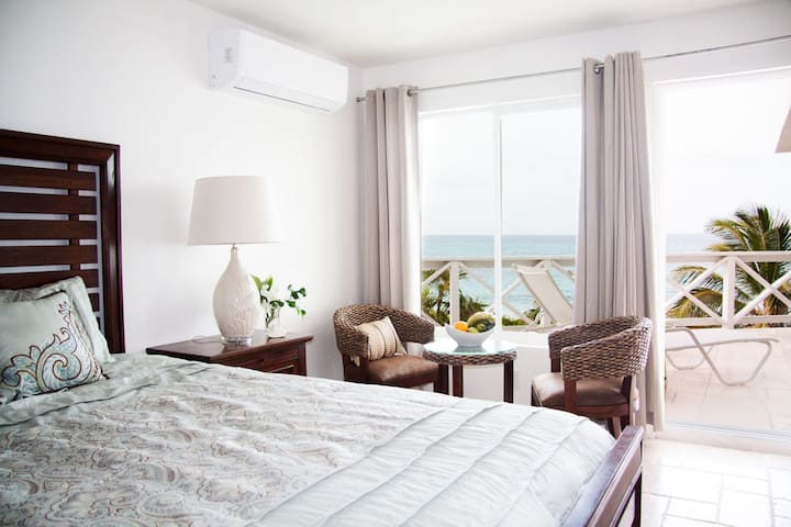 Wake up with sea view and morning breeze