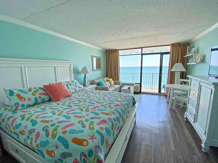 """""""Flip Flop Getaway""""Ocean Front Myrtle Beach"""