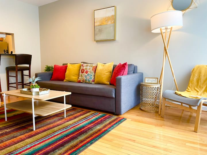 ☆Modern Federal Hill Condo ★ FREE PARKING SPOTS☆