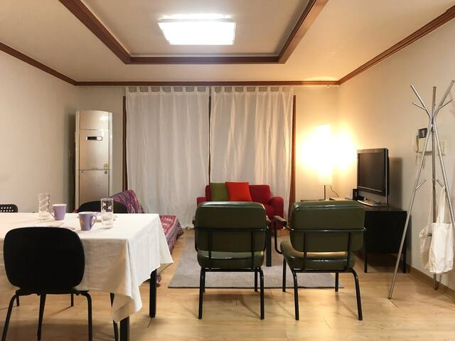 VIBESHARE2 : Clean&Spacious House Next to Ajou Uni