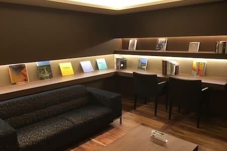 2mins&1Sta to TOKYO sta/New LUXURY Apt/Pocket WIFI - Chiyoda-ku - Lägenhet