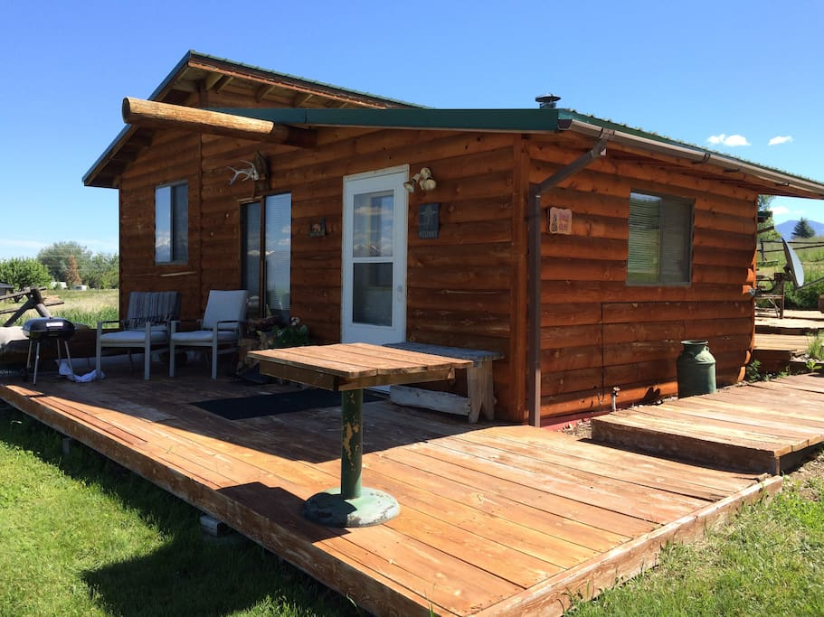 Bear Cave Cabin Cabins For Rent In Corvallis Montana