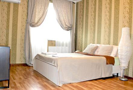 Уютная квартира не далеко от Шереметьево - Lobnya - Apartamento