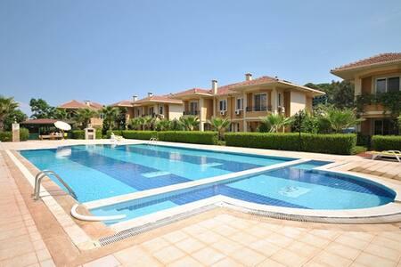 2175 Semi-detached villa - House