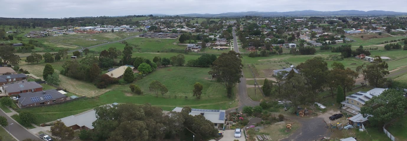 Quiet Semi Rural  Close to town  Kilmore 3764 - Kilmore - House
