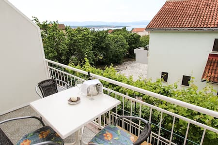 Sea View Apartment (2+3) in Malinska (Misic) - Malinska  - Hus