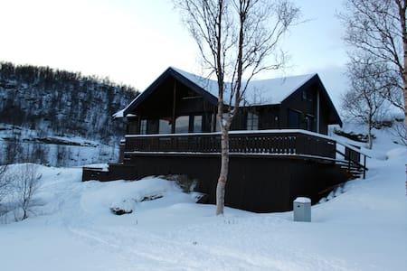 Lyngen, Elvejord - Cabanya