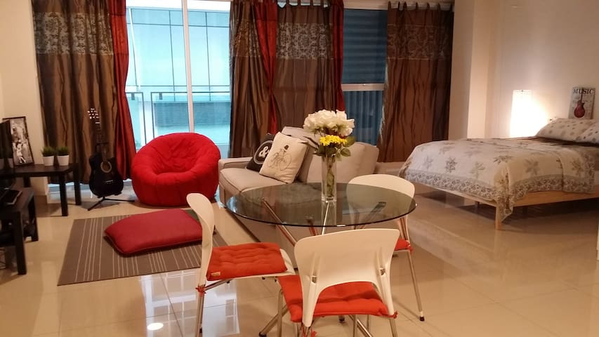 Cosy Studio Apartment at Ara Damansara