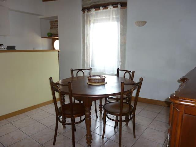 Maison de village,au cœur du vignoble Bourguignon. - Fontaines - House