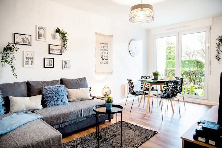Chic & Cosy Appartement avec Terrasse + Parking
