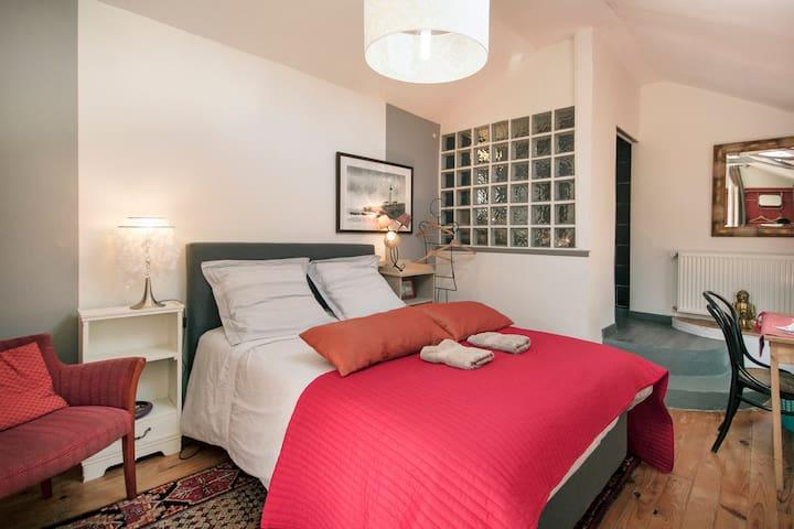 Chambre indépendante et lumineuse en centre ville - BREST - Bed & Breakfast