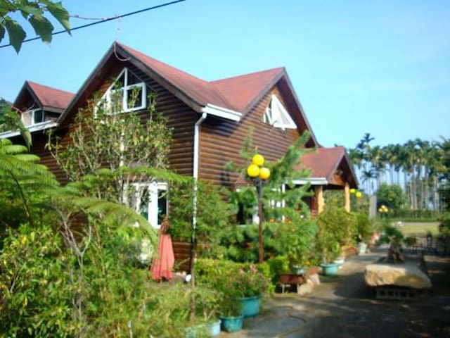 Villa 羿昀居民宿-全檜木木屋 - Lugu Township - Rumah