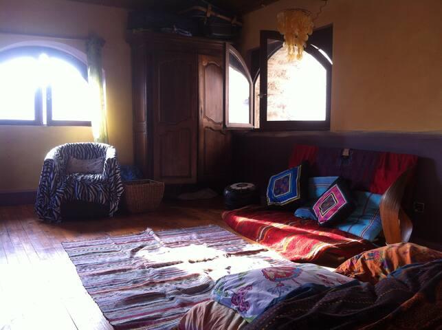 chambre ou maison au centre du village - Saint-Antonin-Noble-Val - House