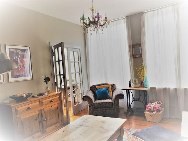 Lovely Bright Apartment in Old Town