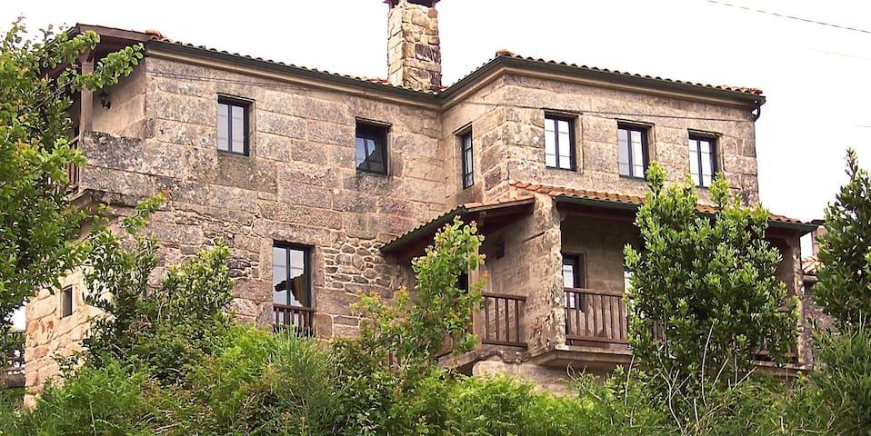 Casa Florinda: Lavandeira - Cerdedo - Bed & Breakfast
