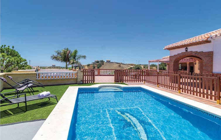Holiday cottage with 3 bedrooms on 74m² in Torrox