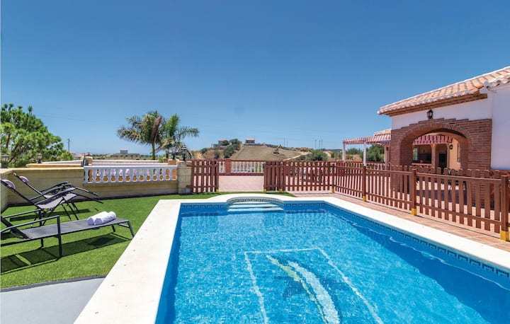 Amazing home in Torrox with Outdoor swimming pool, WiFi and 4 Bedrooms