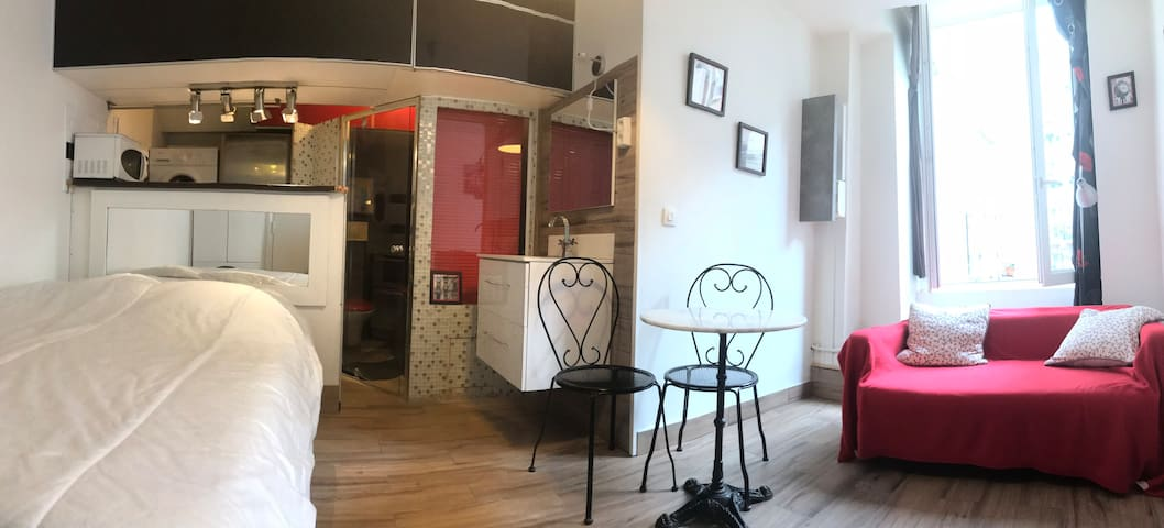 Compact flat in Pigalle