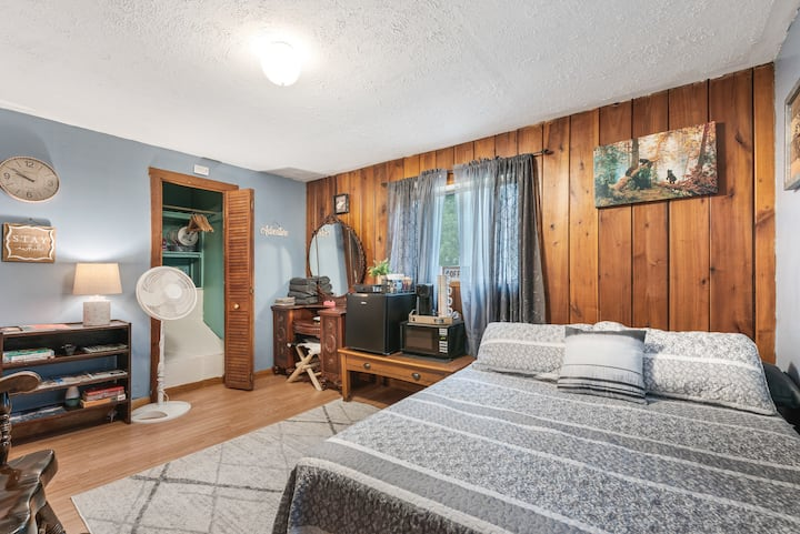 Two Comfy Bedrooms Near The New River Gorge Bridge