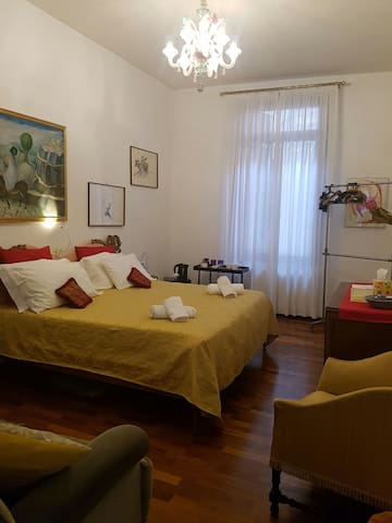 Central Suite with private bath - Venedig - Hus