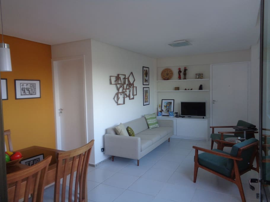 Living & Dining Room / Sala de Estar e Jantar