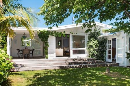 Kuku Cottage, Coastal Getaway