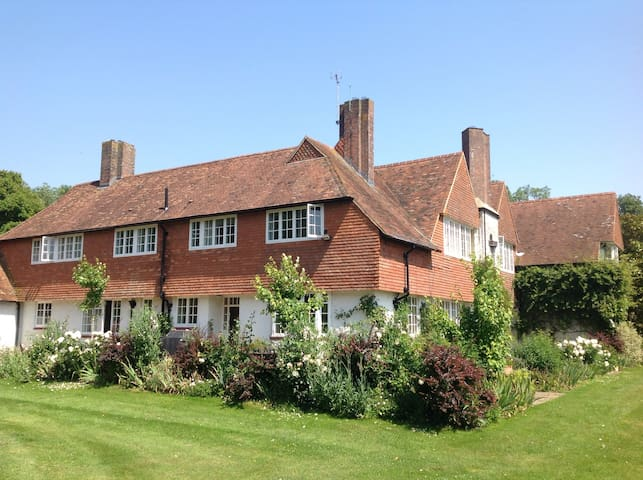 Beautiful rural family home - Ashford  - Haus