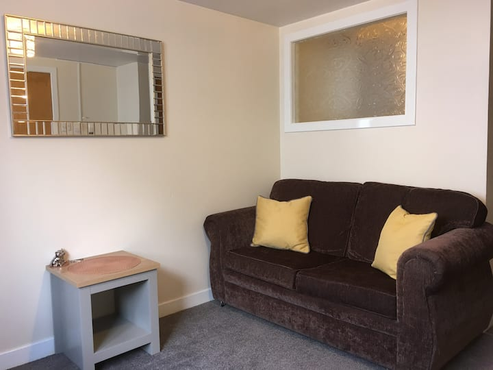 Cosy studio flat in the town centre of Stornoway.