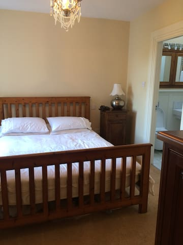 King size bed with adjoining family room & ensuite