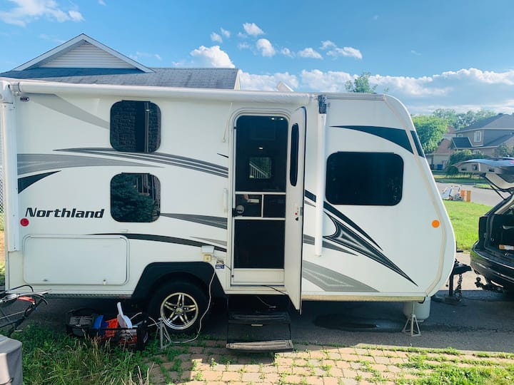 Beautiful Rv (Roulotte) for some rest and privacy