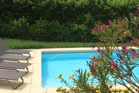 Maison avec piscine dans la campagne toulousaine - Mons