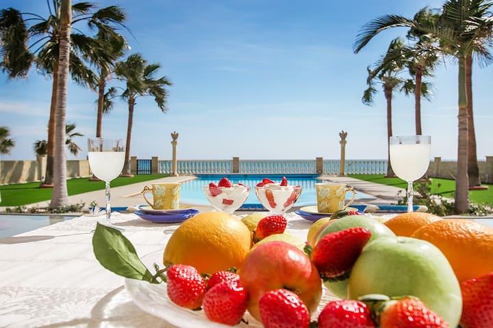Luxury villa right on the beach - Larnaca - Villa