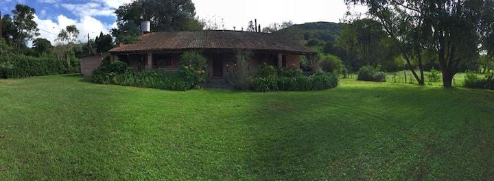Casa de campo en el centro de la villa de RACO