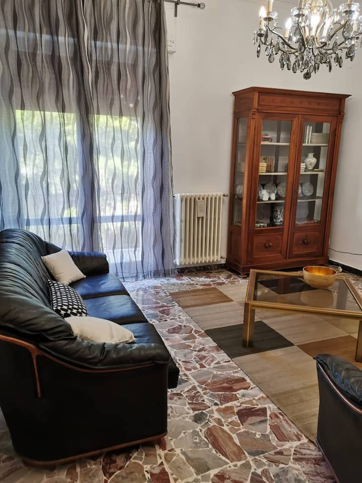 Solar apartment in Livorno, 6 guests and garage!
