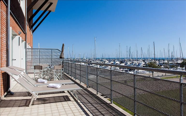 Comfy 1bdr apt w/terrace - Marina di Ravenna - Leilighet