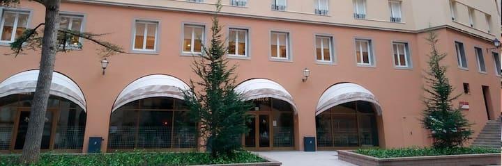 Abat Oliba Hostel Montserrat