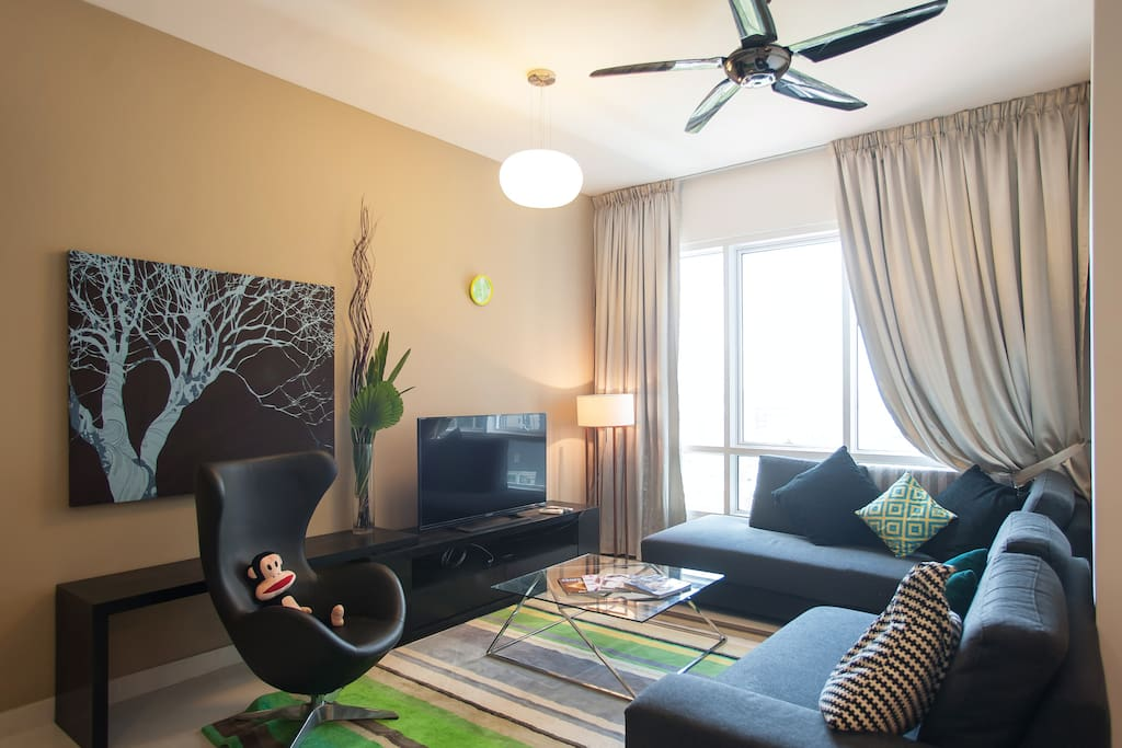 Living Room with TV and High Speed Internet Provided