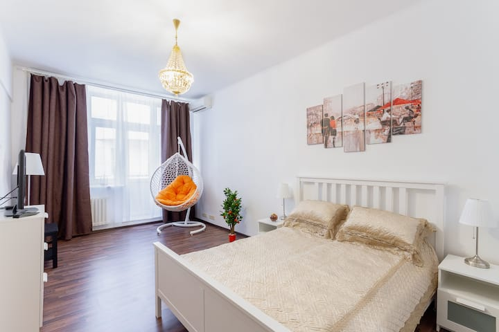 Walk to the Kremlin, central 2 bedrooms apartment