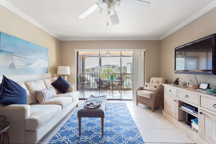 Estero Island Yacht and Racquet 228  Fort Myers Be