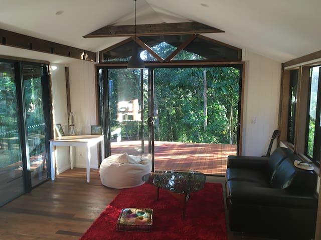 Poolside Cabin - Mullumbimby - Houten huisje