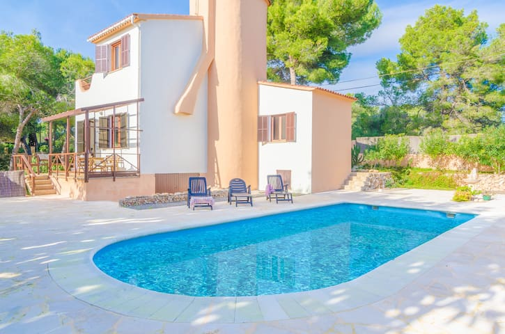 PRIMAVERA - Villa for 8 people in Cala Pi.