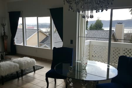 Hollywood Glam in Benicia 1 BR, 1BA - Benicia - Társasház